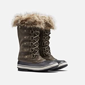 Sorel Joan of Arctic Cattail Boots NWT. Size 11